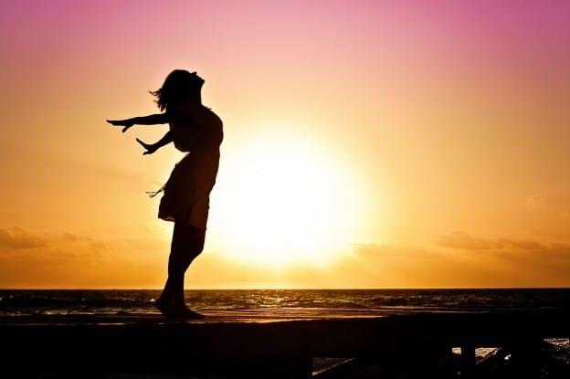 Pour retrouver notre vitalité innée : 4 Habitudes de vie SIMPLES ET SAINES à redécouvrir…