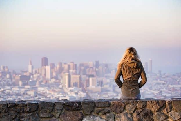Comment prendre confiance et mieux accepter son célibat ?