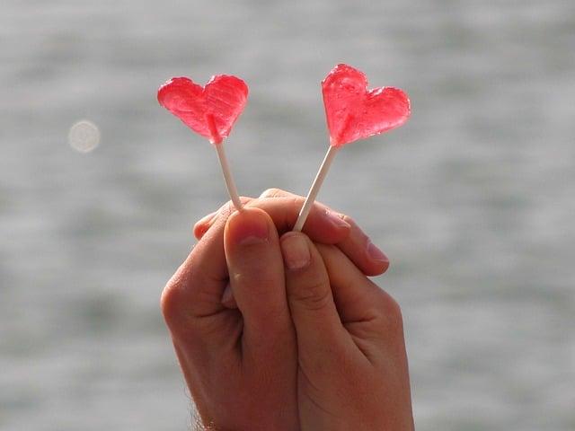 love-1704052_640