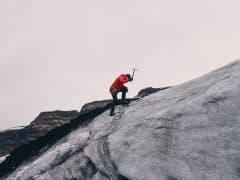 mountain-climbing-802099_1920