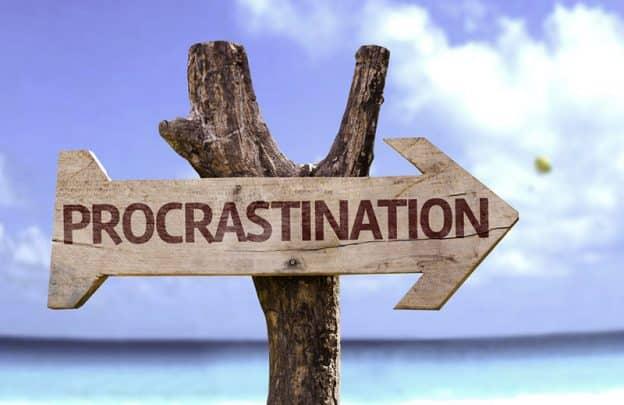 Je procrastine, tu procrastines, il procrastine, nous procrastinons …