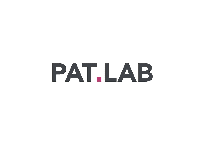 pat lab logo sur fond blanc