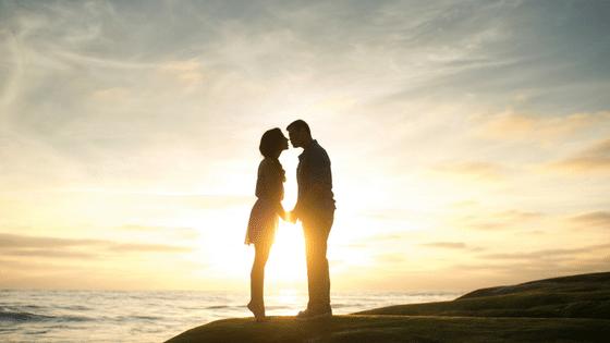 Les 5 étapes de l'amour et pourquoi nous sommes si nombreux à rester coincés à l'étape 3