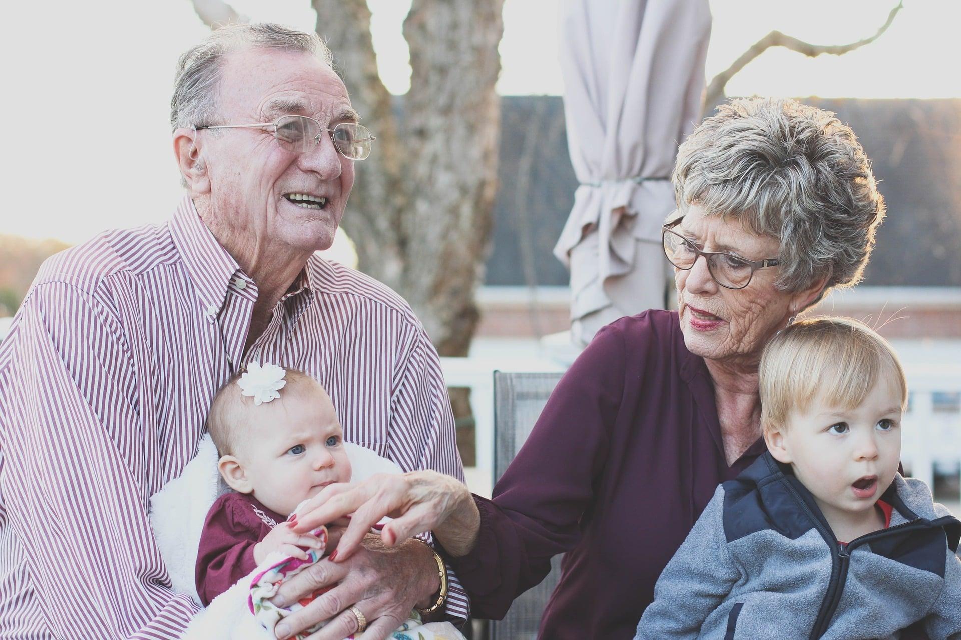 Citation S'occuper de leurs petits-enfants est bénéfique pour les grands-mères