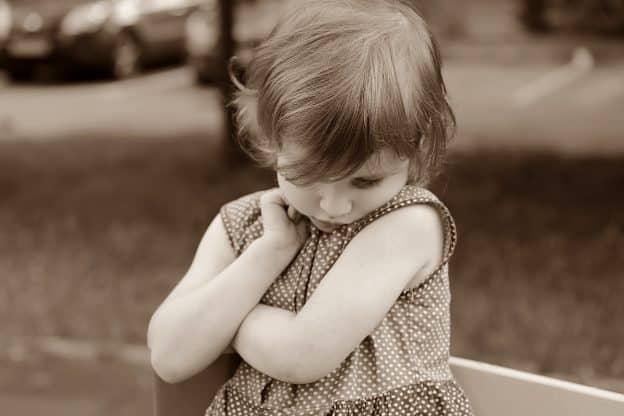 Mon enfant est timide. 6 conseils pour l'aider