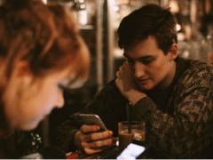 téléphones dans le couple