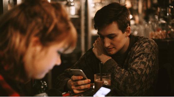 Les téléphones contribuent à empirer les relations