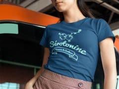 T-shirt pour femmes heureuses grâce à la sérotonine