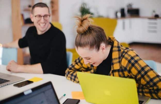 Intelligence émotionnelle et joie de vivre, clefs du bonheur au travail