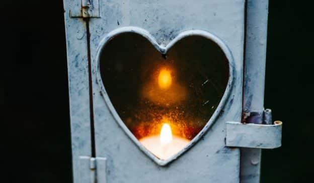 Pourquoi est-il important d'être tolérant envers soi et ses imperfections lors de ce confinement ?