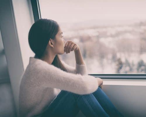 4 choses à faire pour se sentir moins seule pendant le confinement
