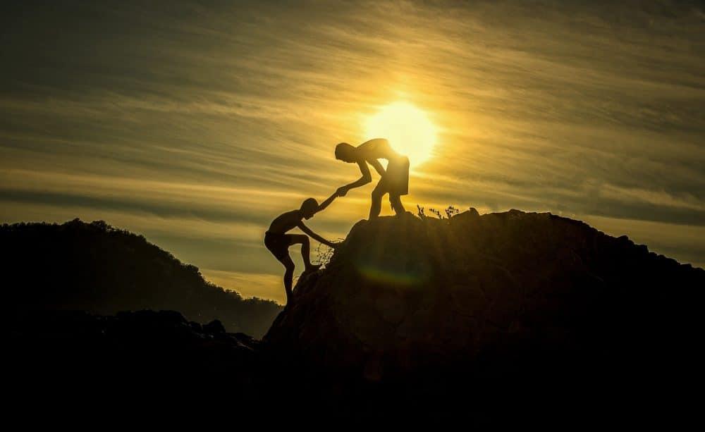 Citation Un des secrets de la réussite: soyez au service des autres