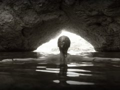 grotto_ocean_cave_water_rock_landscape_woman_female-849022.jpg!d