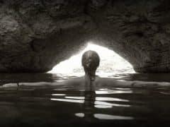 grotto_ocean_cave_water_rock_landscape_woman_female-849022.jpg!d