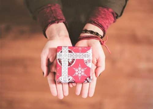 Noël en Deuil : 7 clés pour vous aider à traverser la période des fêtes avec plus de douceur.