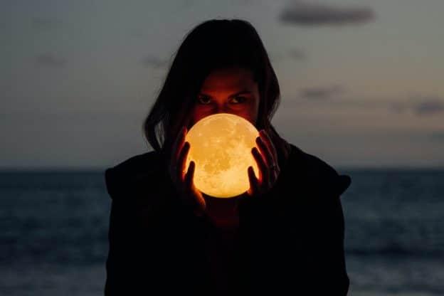 La lune a-t-elle un pouvoir d'influence sur les humains ?